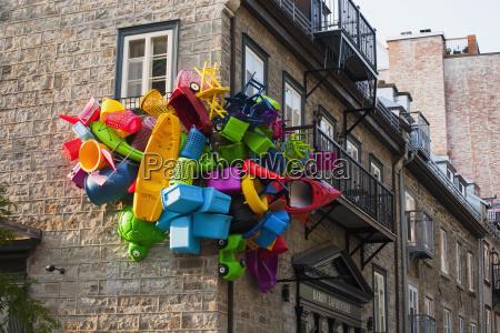 art exhibition in quartier du petit