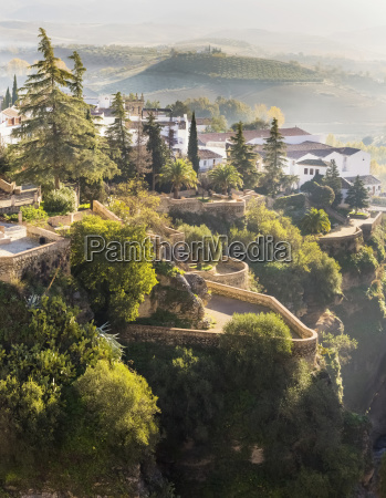 cuenca gardens on the edge of