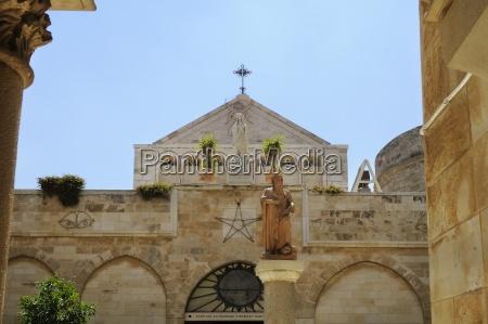 statue des heiligen hieronymus der kirche