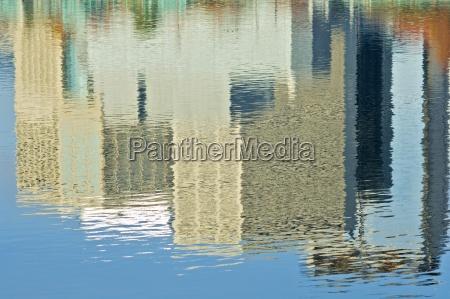 willamette river portland oregon usa reflection