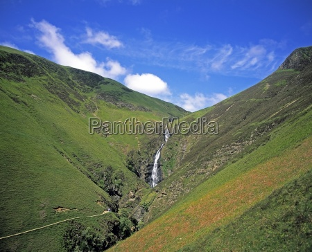 the 200 grey mares tail near