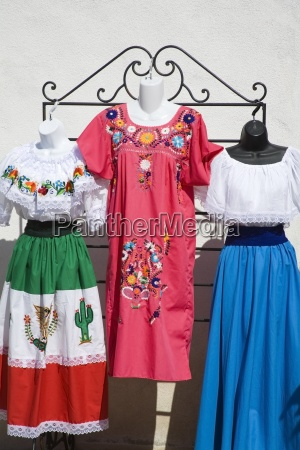 mexikanische kleidung auf dem markt old