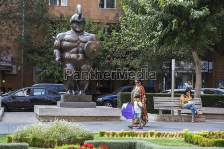 roman soldier sculpture by fernando botero