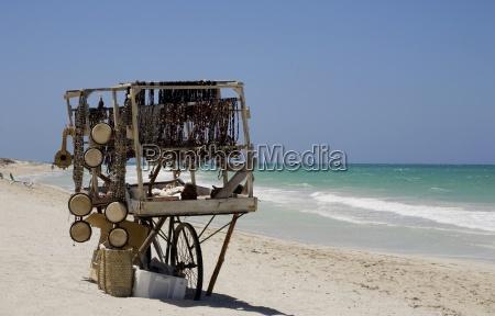trinket cart am strand von varadero