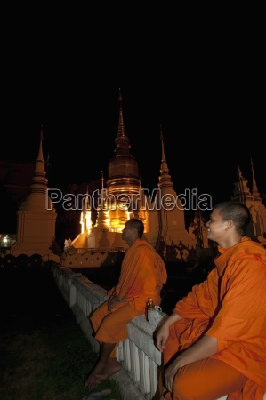chiang mai thailand monks at the