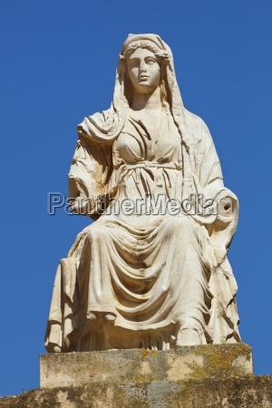 kopie der statue der goettin ceres