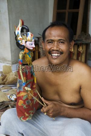 indonesien bali pellatan village meister puppenmacher