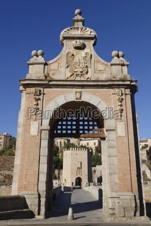 the alcantara bridge over the tagrus