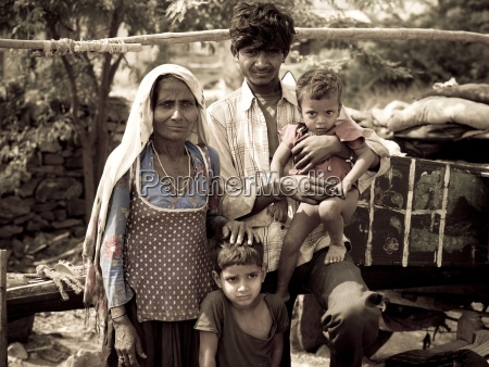 portrait of gypsy family rajasthan india