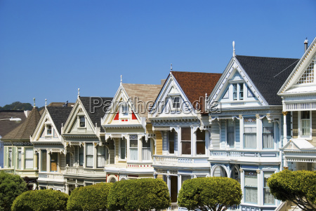 san franciscos painted ladies a row