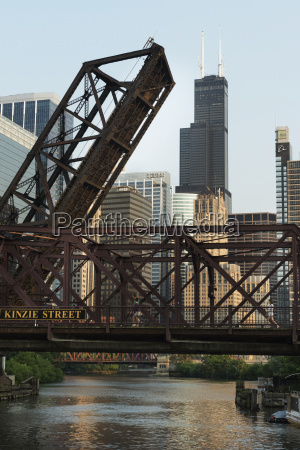 kinzie street bridge lifted over the