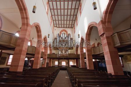 organ of the collegiate church in