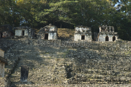 strukturen auf der akropolis bonampak chiapas