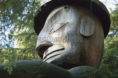 welcome figure by nuu chah nulth