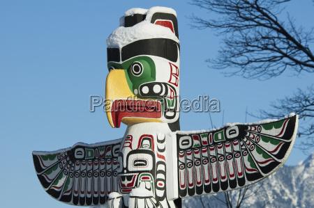 thunderbird house post carved in kwakiutl