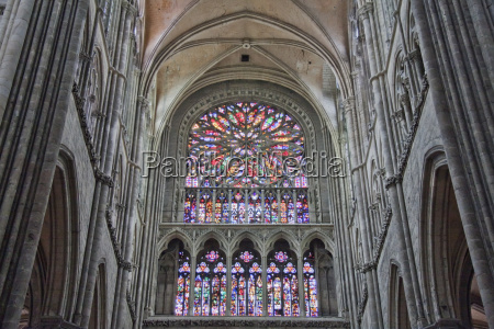 southern rose window in the notre