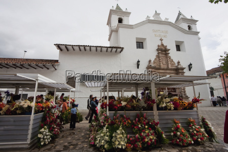 flower market by the santuario mariano