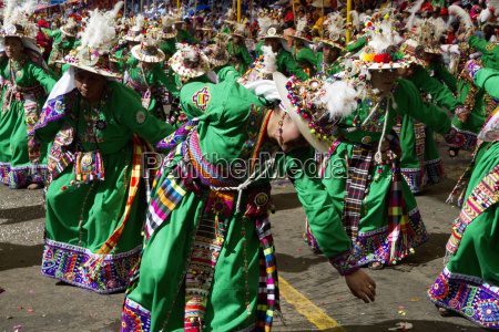 tinkus los tolkas dancers in the