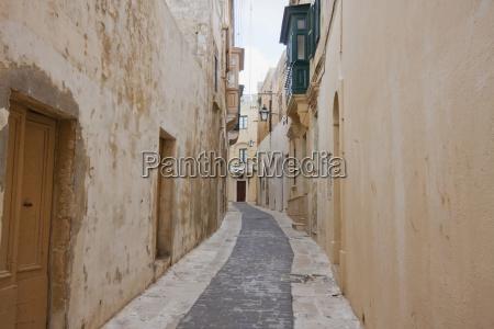 street scene inside the citadel victoria