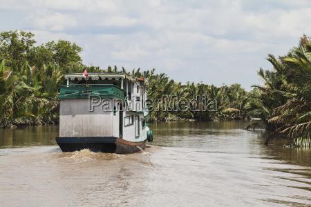 klotok river boat on the sekonyer