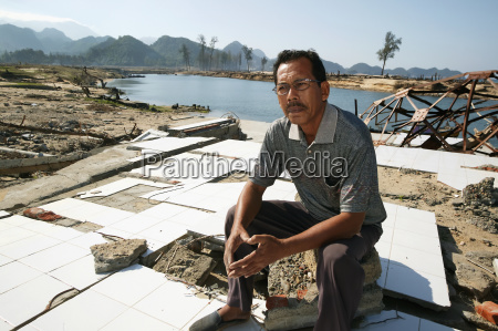 ehemaliger fischereidirektor in banda aceh discusses