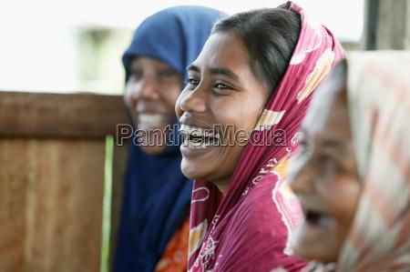 frauen aus einer community agriculture group