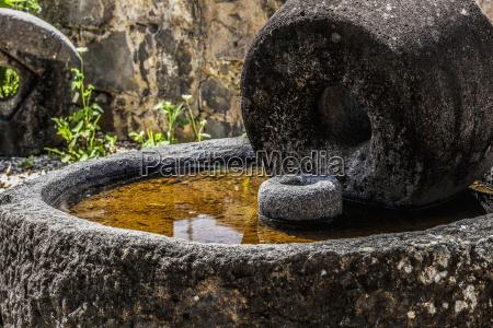 alter muehlstein aus der zeit christi