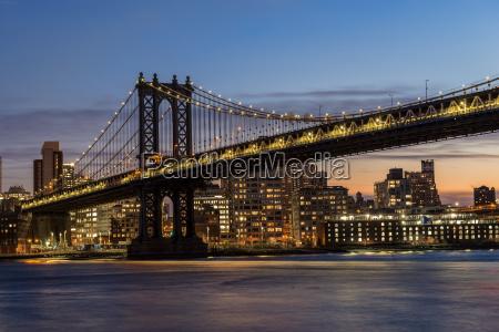 manhattan bridge at twilight brooklyn new