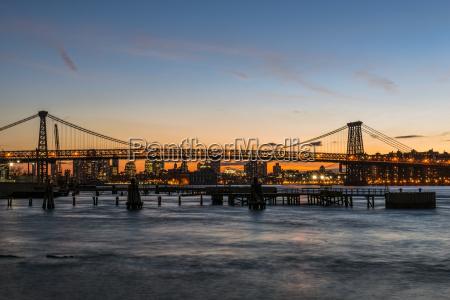 williamsberg bridge at sunset new york