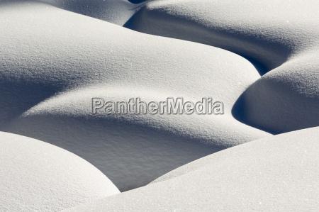 kuenstlerische montage des schnees der ein