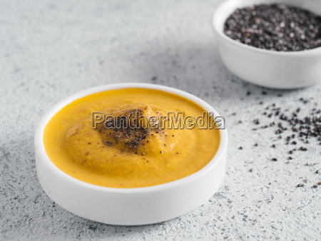 vegan creamy cheddar cheese sauce with