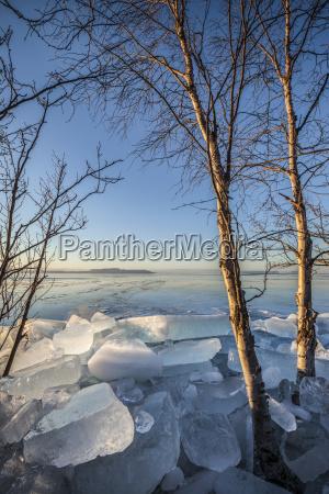 ice chunks on lake superior thunder