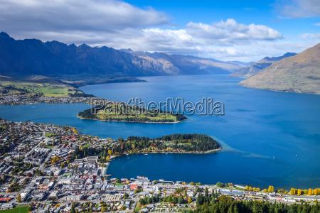 lake wakatipu und queenstown neuseeland