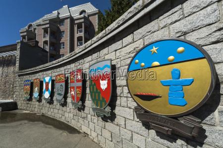 kunst symbolisch stein tourismus bunt farbenfroh