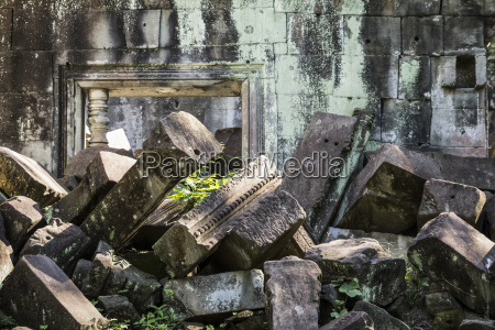 ruins of the khmer temple of