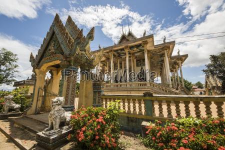 modern wat ek phnom temple battambang