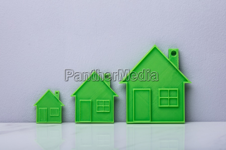 the scale of green flat house