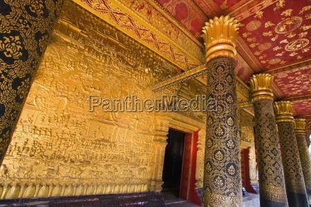 wat mai temple in luang prabang