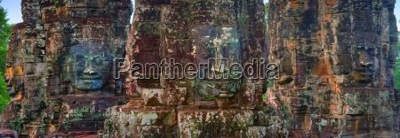 stone heads at bayon temple angkor