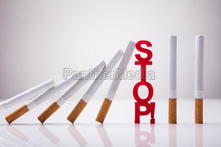 fallende zigaretten durch stop word gestoppt
