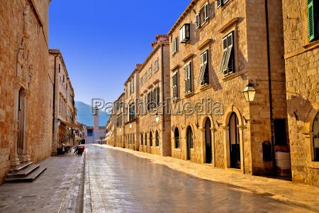 famous stradun street in dubrovnik morning