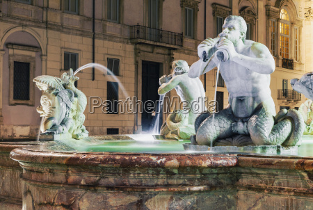 brunnen fontana del moro im marktplatz