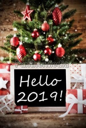 weihnachtsbaum mit hallo 2019
