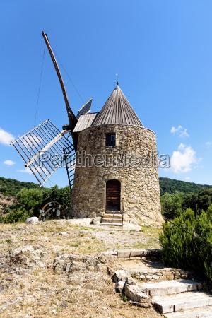 grimaud moulin saint roch provence