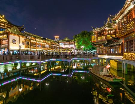 yuyuan basar in shanghai nachts