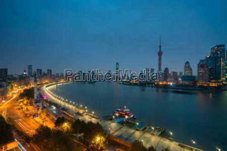 shanghai bei sonnenaufgang