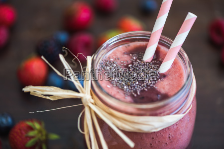 fresh berry fruit smoothie