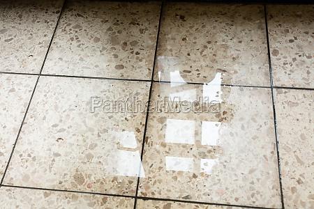 raum hochwasser schaden etagen beschaedigen auslaufen