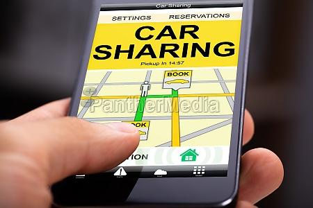 car sharing anwendung auf mobilem bildschirm