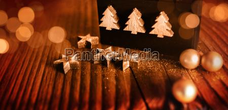 weihnachtsdekoration auf holz